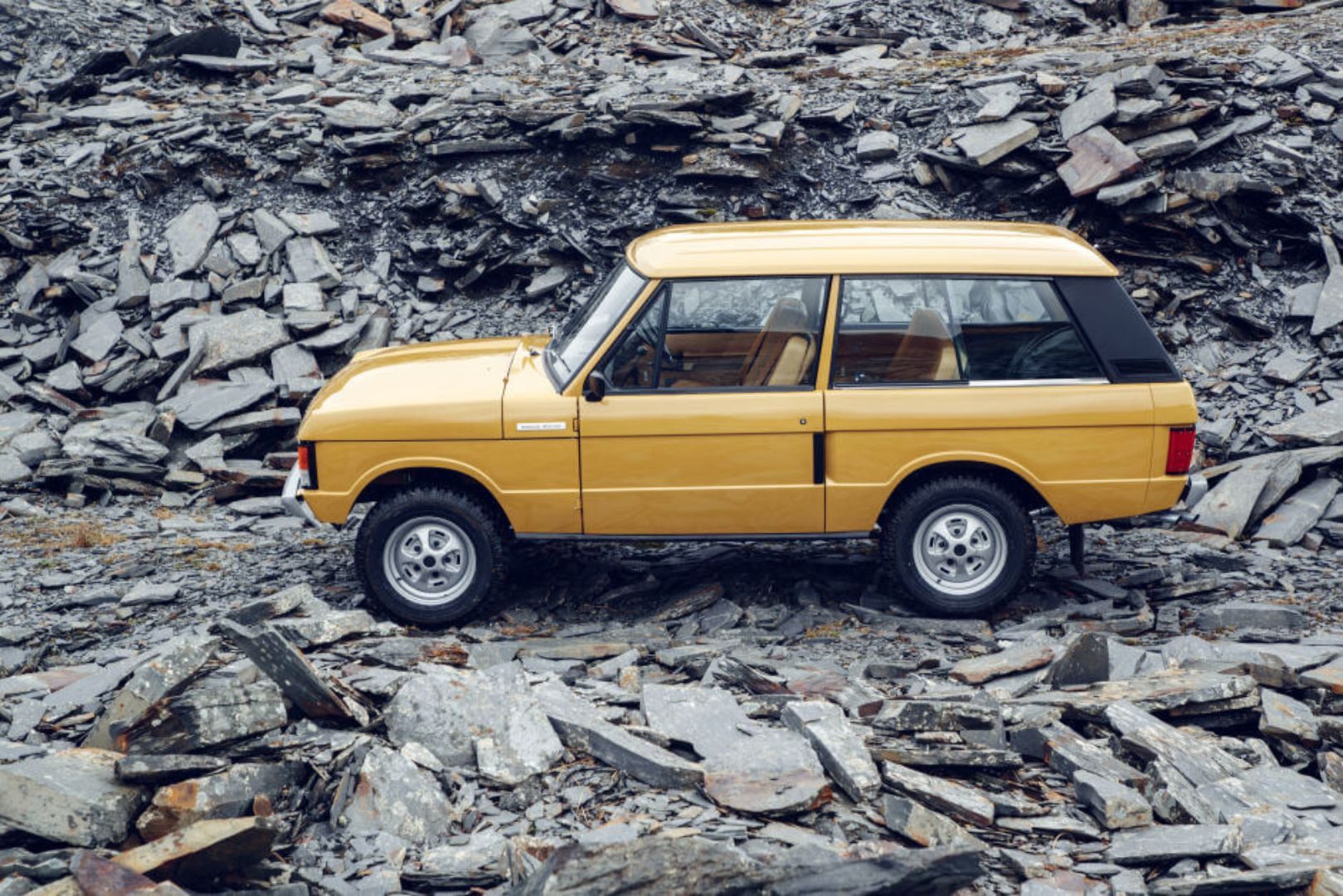 Land Rover revives the three-door Classic