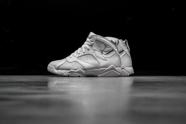 AIR JORDAN 7 RETRO Platinum