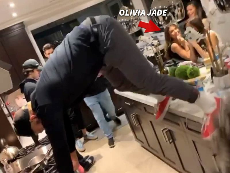 Olivia Giannulli continues to party as parents face jail time
