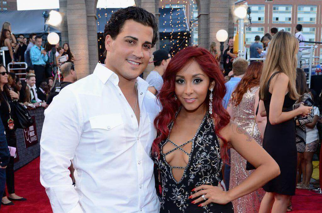 Snooki Drinks Wine While Breastfeeding