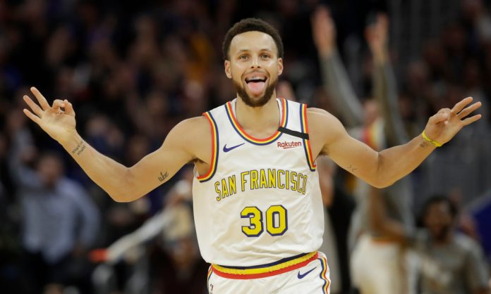 Stephen Curry Makes His Return To The Court