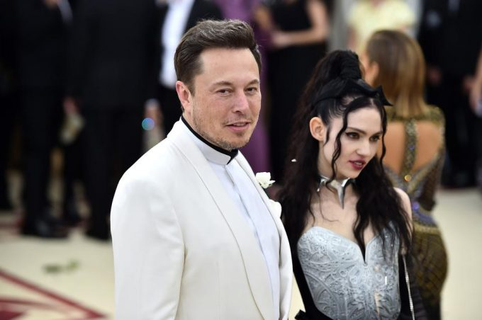 "Elon Musk Urged To ""Turn Off His Phone"" After Controversial Tweet"