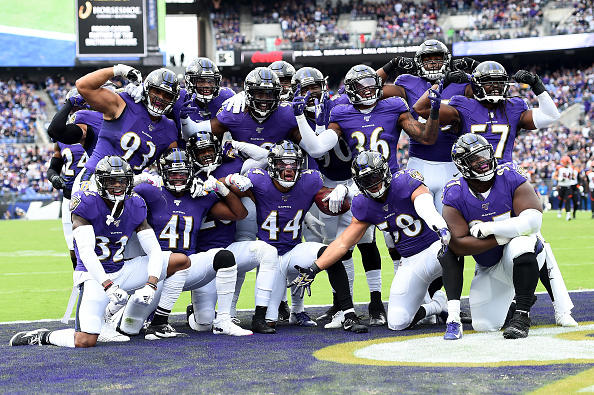 baltimore-ravens-pay-tribute-to-star-michael-k-williams-with-omar-whistle-from-the-wire